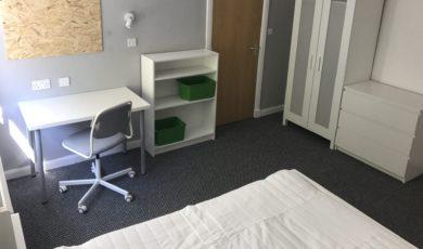 Double Room Semi-En suite